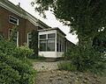 Overzicht van de serre aan de rechter zijgevel van het woonhuis van de boerderij - Nieuweschans - 20387256 - RCE.jpg