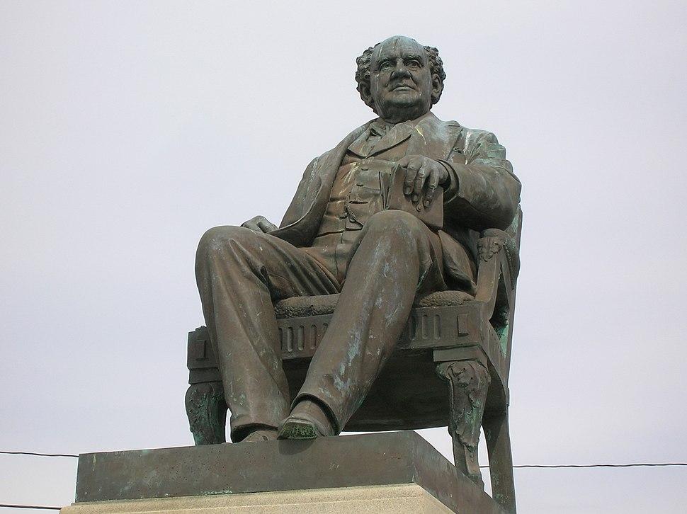 P. T. Barnum Monument (1887), Seaside Park, Bridgeport, CT - April 2016