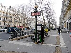 Chemin Vert (Paris Métro) - Image: P1000681 Paris III Boulevard Beaumarchais metro Chemin vert reductwk