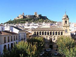 View on the city with the Town Hall in the foreground and La Mota fortress in the background.
