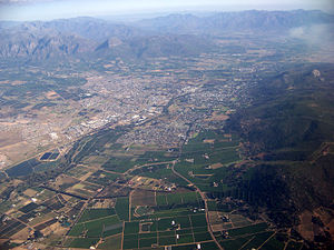 Paarl - Aerial view of Paarl, looking in a south-easterly direction