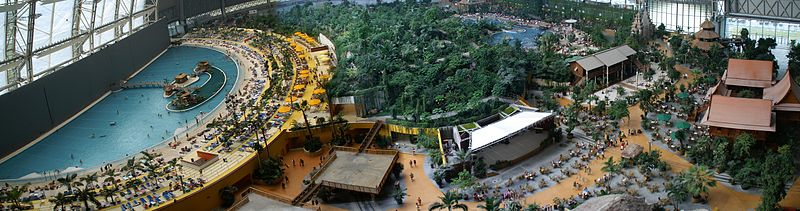 Datei:Panorama - Tropical Islands Draufsicht - 2006.jpg