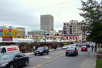Parkdale Avenue (Ottawa) - Parkdale Avenue and the Parkdale Market.