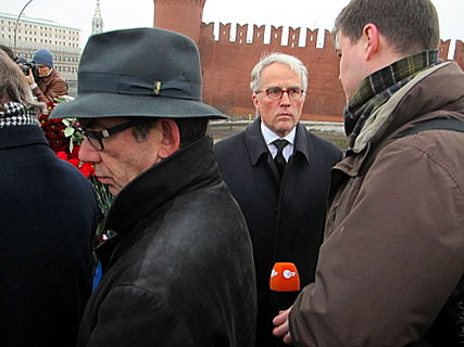 People came to the side of Boris Nemtsov's murder (2015-02-28; 04).JPG