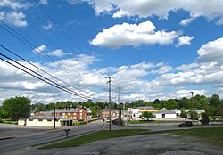 View of Perryville along US-150 (2nd Street)