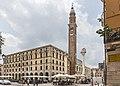 Piazza dei Signori - Torre Bissara - Piazza della Biade - Vicenza.jpg