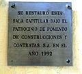 Placa alusiva a la restauración en 1992 de la Sala capitular (Catedral de Sevilla).JPG