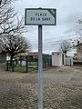 Place de la gare (Beynost) - Beynost.jpg