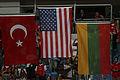 Podio de banderas Mundial de baloncesto 2010.jpg