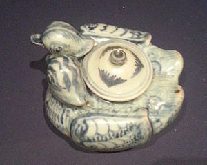 Mandarin duck - A Yuan Dynasty porcelain teapot representing a mandarin duck pair