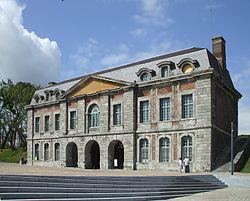 Porte de Mons Maubeuge.jpg