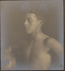 Portrait of Portuguese-Hawaiian boy 1909 (2).jpg