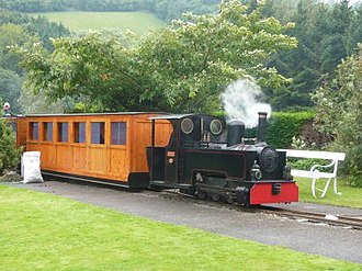 Rhiw Valley Light Railway - Image: Powys arriving at station