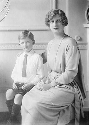 Alastair Windsor, 2nd Duke of Connaught and Strathearn - Portrait with his mother
