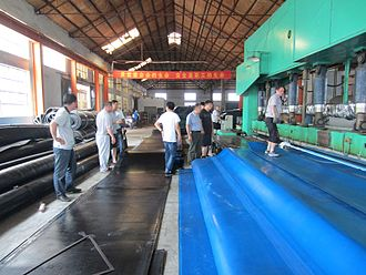 Inflatable rubber dam - Image: Production of rubber dam