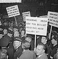 Protestvergadering door politie-ambtenaren tegen loonpolitiek in de regering in , Bestanddeelnr 911-6908.jpg