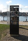 Public bookcase germany bonn beuel 20110208.JPG