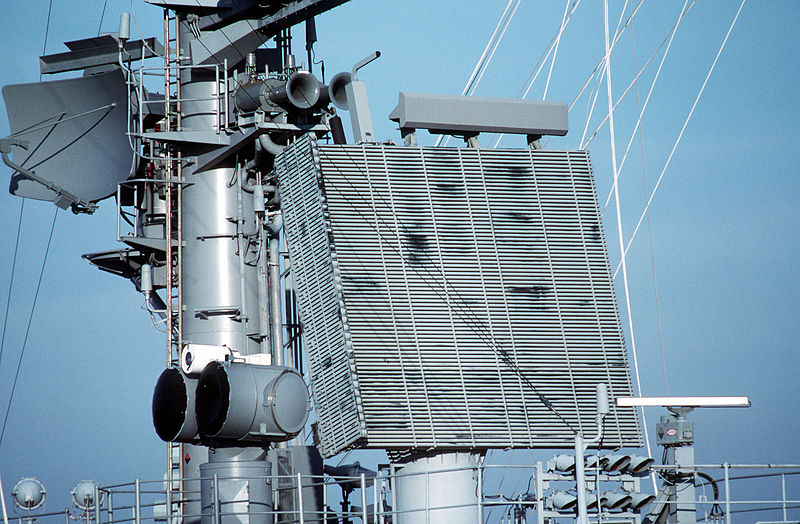 اخيرا صفقة الرادار AN/SPS-48E بمصدر.......حصري لمصر 800px-Radar_antennas_on_USS_Theodore_Roosevelt_CVN-71