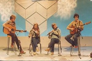 Mairéad Ní Mhaonaigh - Mairéad with the short-lived band Ragairne on RTÉ television in the 1980s.