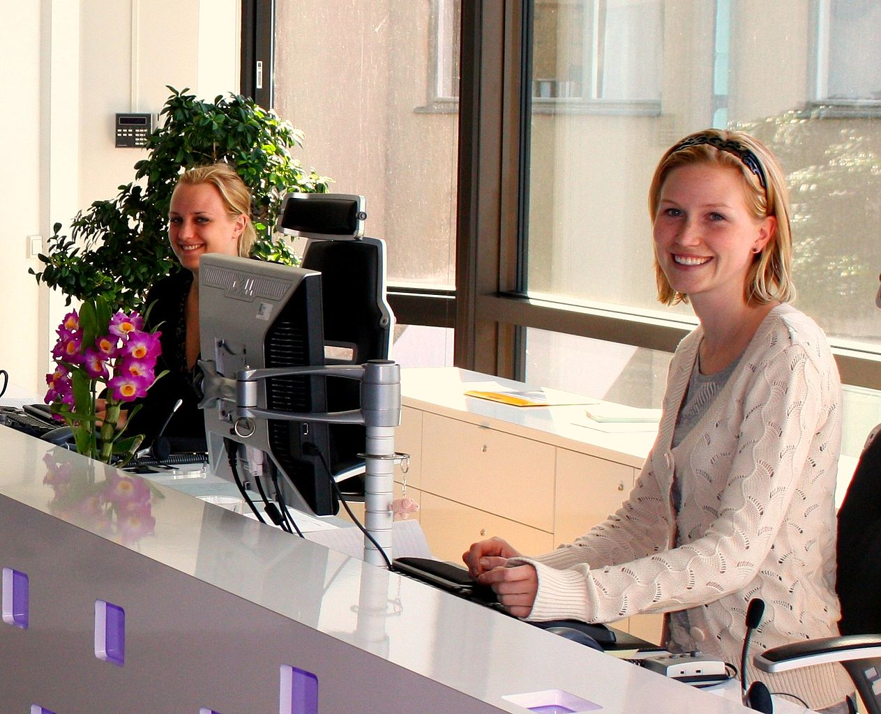 Receptionist 30 hrs pr wk