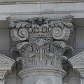 Reichstagsgebäude - West - Fassade - Säulenkopf mittig.jpg
