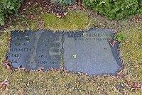 Robert Themptanders grav 1.JPG