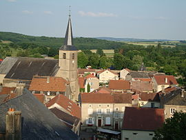 The church and surroundings in Rodemack