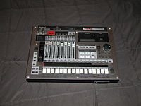 Roland MC 808 Groovebox.JPG