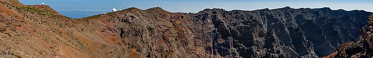 Roque de los Muchachos - Caldera de Taburiente 06.jpg