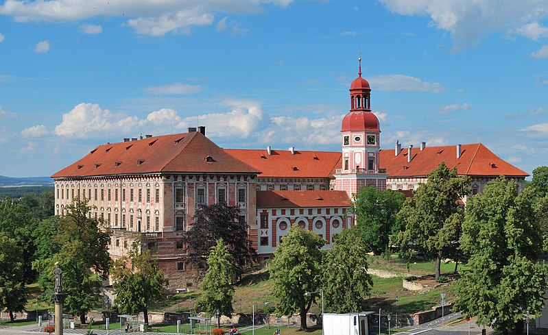 File:Roudnice nad Labem  -zámek.jpg
