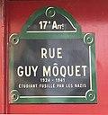 Rue Guy-Môquet (Paris) - plaque de rue.JPG