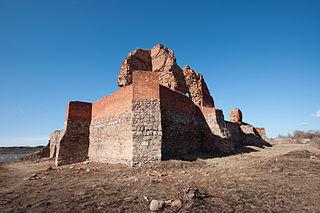 Bobrowniki Castle
