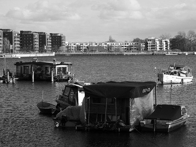 File:Rummelsburger Bucht, Berlin-Friedrichshain, Bild 4.jpg