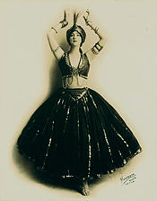 Ruth St. Denis in Black and Gold Nautch (Hartsook Photo).jpg