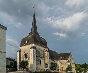 Saint Saturnin church of Poulaines 02.jpg