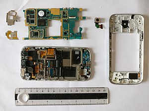Samsung Galaxy S4 Mini - The inside of a Samsung Galaxy S4 mini