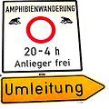 Schild Straßensperrung Krötenwanderung.jpg