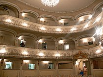 Schwetzingen Schlosstheater Blick vom Parkett 1.jpg