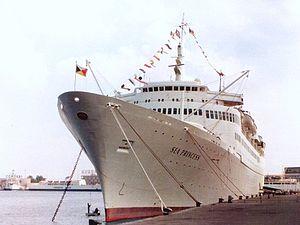 MV Kungsholm (1965) - Sea Princess at Messina, Italy 1986
