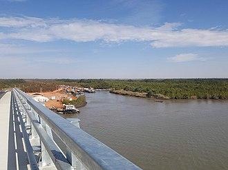 Senegambia bridge - Image: Senegambia Bridge Peak Northward View