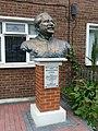Sheikh Mujibur Rahman Statue, Sidney Street, Stepney.jpg