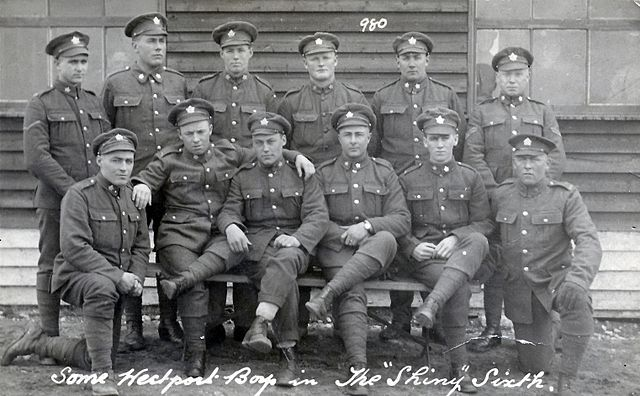 Canadian soldiers UnknownUnknown author [Public domain], via Wikimedia Commons