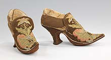 European heeled shoes from ca. 1690