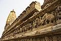 Side view of Lakshamana temple in Khajuraho, Madhya Pradesh.jpg