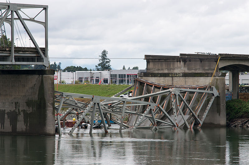 File:Skagit River Bridge collapse 2013-05-26.jpg