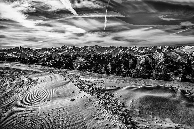 File:Ski holiday in Kitzbuhel Austria (8099727436).jpg