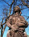 Skulptura Žetelica.jpg