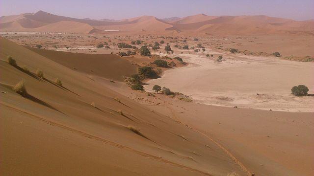 File:Sossusvlei, Namib Desert, Namibia.JPG