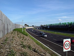 Speed limits in Australia - Most urban freeways in Australia have speed limits of 80, 90, 100 or 110 km/h. This example is of the EastLink tolled motorway in Melbourne.