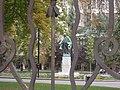 Spomenik Dositeju Obradoviću 004.JPG